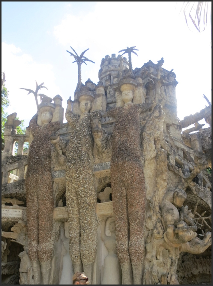 Palais Ideal - Three Giants