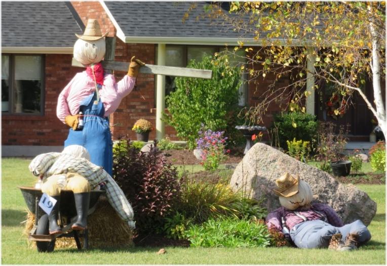 Scarecrow contest 16