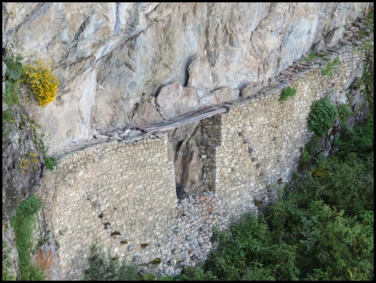 Machu Picchu - Inca Bridge