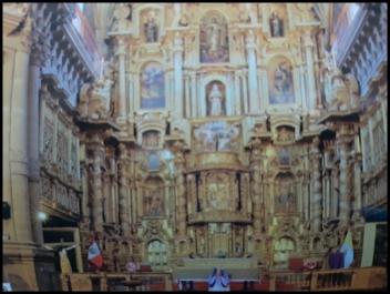 San Pedro Apóstol de Andahuaylillas Church, gilded altar
