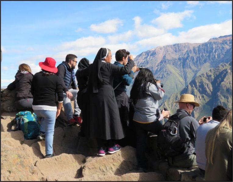 Colca Canyon, crowd at Mirador Cruz del Condor