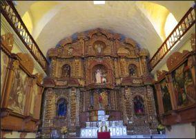 Colca Canyon - Maca, Iglesia Santa Ana, altar