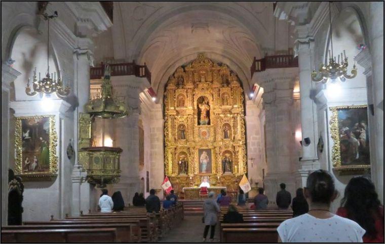 Arequipa, Iglesia de la Compania de Jesus Altar