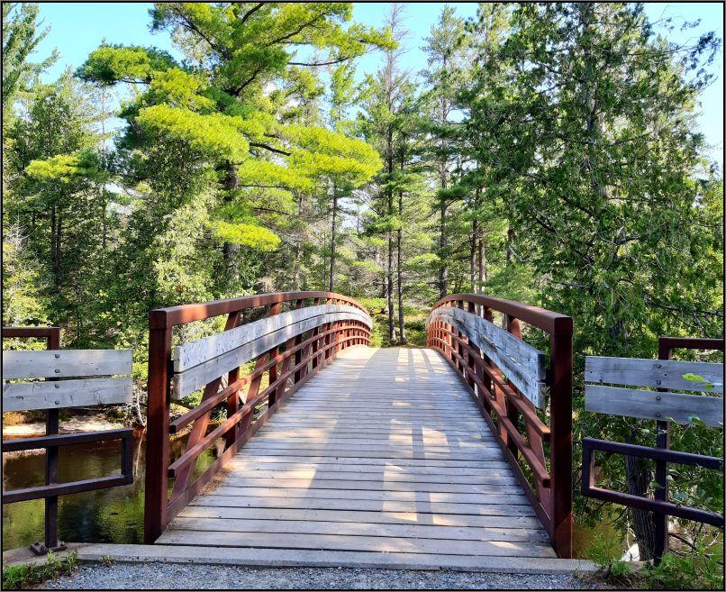 Bridge over Aux Sables river, Chutes Provincial Park
