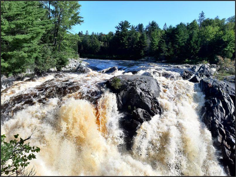 The Falls - Chutes Provincial Park